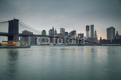 Puente de Brooklyn y Manhattan al atardecer